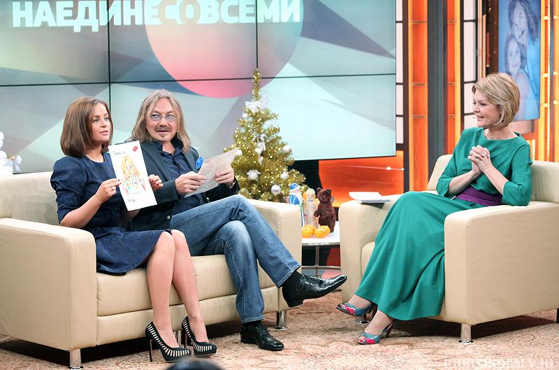 "Кадр из передачи ""Наедине со всеми"""