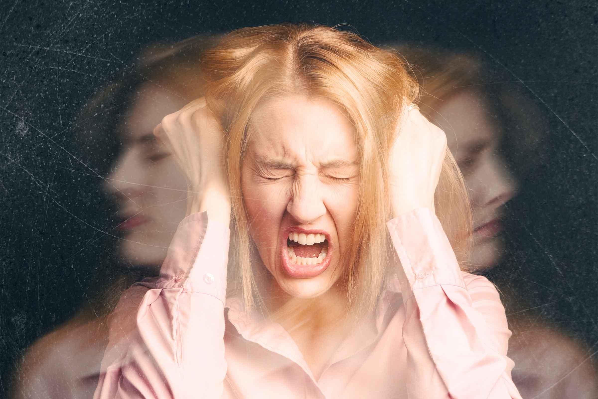 Лечение острого психоза проводится в условиях диспансера и только под наблюдением лицензированного психиатра
