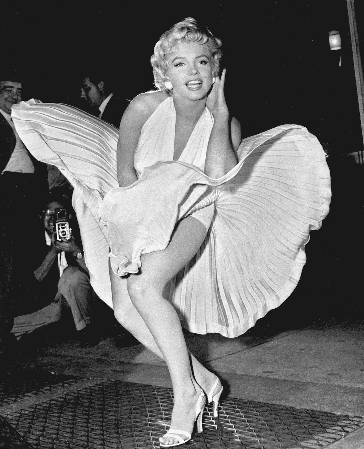Мерелин Монро и белое платье
