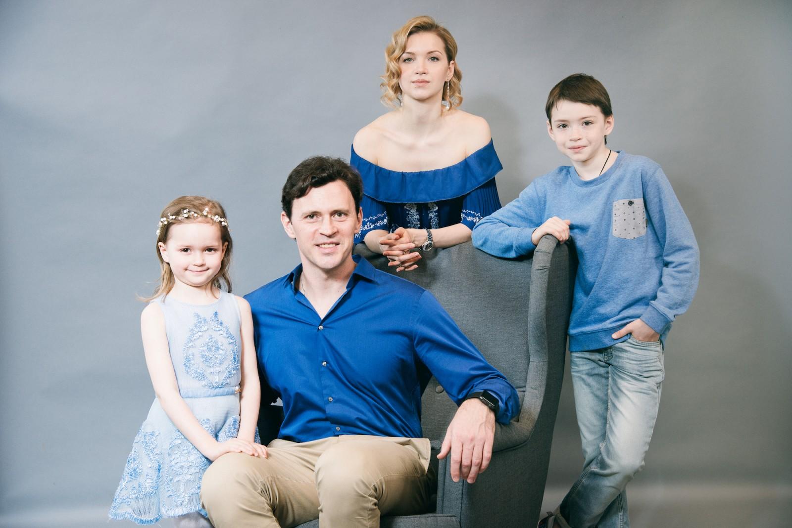 Максим Маринин со своей семьей