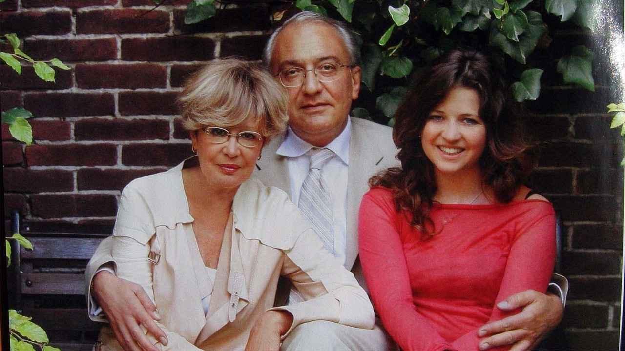 Марина Неелова со своей семьей