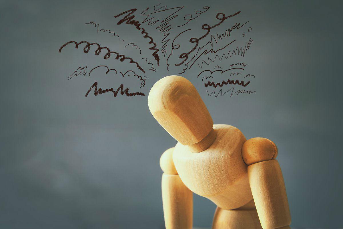 Навязчивые мысли имеют негативный характер, чаще всего человек боится, что с ним или его близкими что-то случится